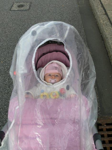 Baby im Kinderwagen - hohe Geburtenraten in Deutschland