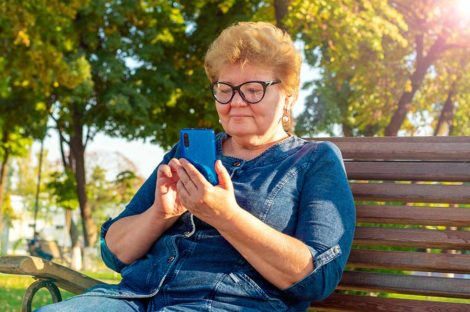 Sind E-Books ein gutes Geschenk für ältere Menschen?